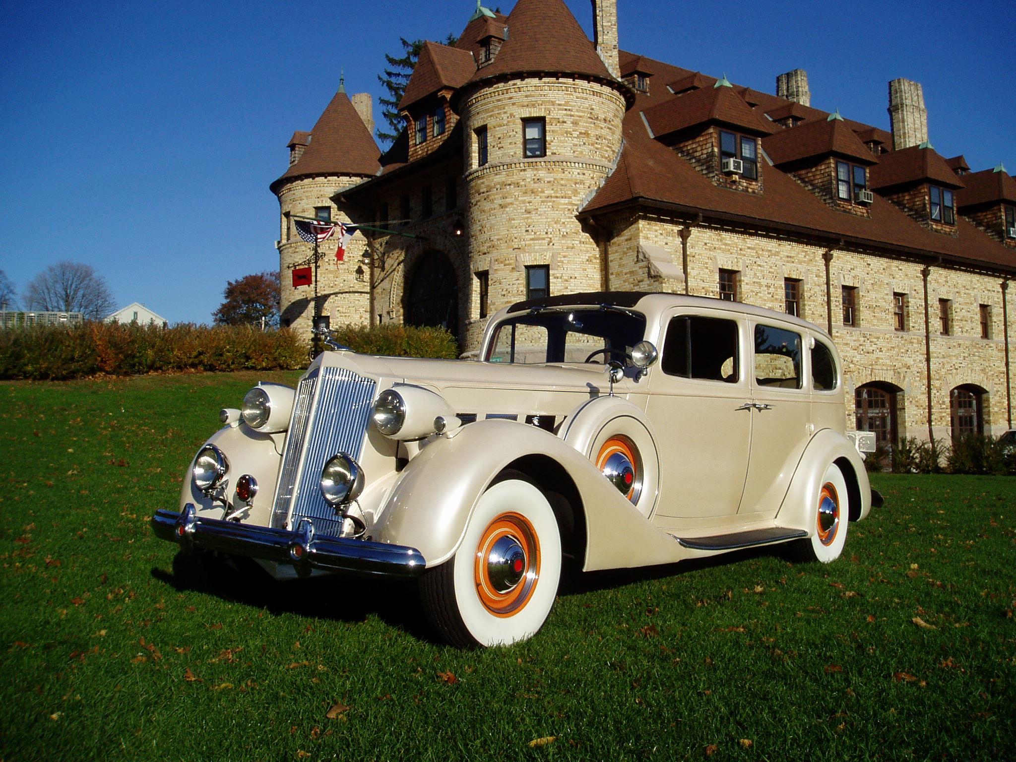 Antique Wedding Cars: Classic South Shore Bridal